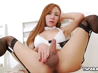 lovely asian tranny aee pink gets herself off
